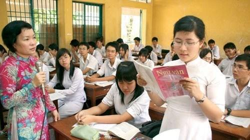 """Dạy """"đọc"""" là dạy tiếng hay dạy văn"""