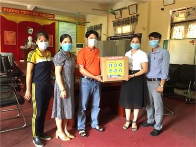 Học viện Nông nghiệp Việt nam đồng hành cùng trường THPT Hồng Thái phòng chống dịch Covid-19