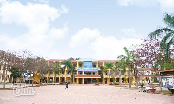 Giới thiệu về nhà trường THPT Lý Thường Kiệt