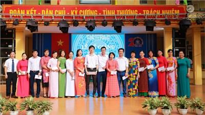 Một số hình ảnh lễ bế giảng năm học 2019-2020 trường THPT Trung Giã